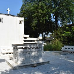 vedere SE spate intrare mausoleu
